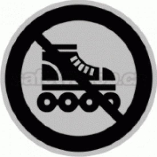 Piktogram samolepicí fólie - Zákaz kolečkové brusle - stříbrná materiál