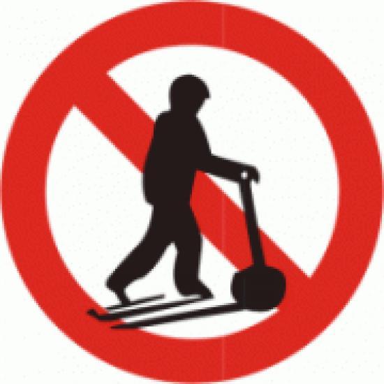 Zákaz jízdy na paletovém vozíku