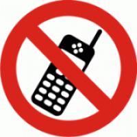 Zákaz použávíní mobilních telefonů